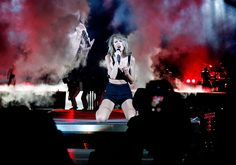 Taylor performing I Knew You Were Trouble during the 1989 World Tour in DC night two 7.14.15