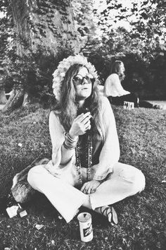 On fame, love, and art -- iconic Janis Joplin quotes that inform the life and ideals of the young artist. Janis Joplin, Rock And Roll, Woodstock, Beatles, Rock Poster, Estilo Hippie, Looks Black, Music Icon, Indie Pop