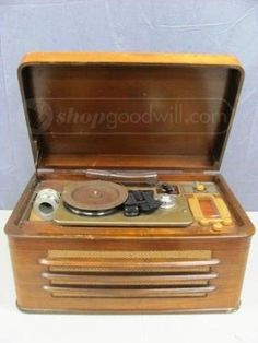Silvertone Wire Recorder - Phono - Radio No. 7085