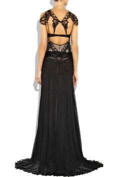 Ava's black lace gown