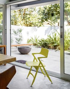 Such a sunny pop of colour with @Kartell Official Dolly Chair! Home Eric Chu (Photo: Trevor Tondro / The New York Times)