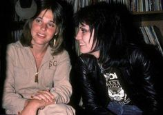Suzi Quatro and Joan Jett. So much awesomeness in one pic.
