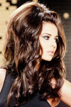 Cheryl Cole returns to L'Oreal Elnett ads with huge hair - Middle of top small poof, with big poof on top of head with cascading curls on… Ombré Hair, Hair Dos, Big Hair Curls, Thick Hair, Big Wavy Hair, Kim Hair, Pin Curls, Retro Hairstyles, Wedding Hairstyles