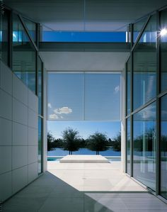 AD Classics: Neugebauer House / Richard Meier & Partners Architects Neugebauer.98SF81.26 – ArchDaily