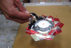 Cómo hacer un portavelas o cenicero con una lata reciclada: Último paso: ¡Agrega la vela y listo!
