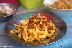 Tofu thoke, Burmese chickpea tofu salad : 41 Photos That May Tempt You to Visit Yangon, Myanmar Immediately Burmese Food, Burmese Recipes, Drinks Of The World, Popular Recipes, Popular Food, Tofu Salad, Yangon, Vegan Life, Street Food