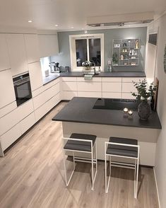 56 modern luxury kitchen design ideas that will inspire you 5 Kitchen Room Design, Luxury Kitchen Design, Kitchen Cabinet Design, Home Decor Kitchen, Kitchen Layout, Interior Design Kitchen, Kitchen Furniture, Home Kitchens, Modern Kitchens