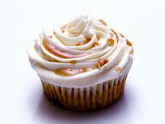 Try these yummy Vegan Brussel Carrot Curry Cupcakes with Cream Cheese Frosting and Maple Curry Reduction as featured on Cupcake Wars #vegan #cupcakes
