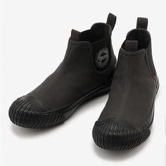 Mens Boots Fashion, Womens Fashion, Wool Shoes, Karl Urban, Kinds Of Shoes, Sports Shoes, Fashion Details, Black Men, Shoe Boots