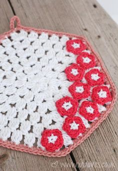 Inside Crochet Magazine Issue 50 - Blossom Potholder Lululoves