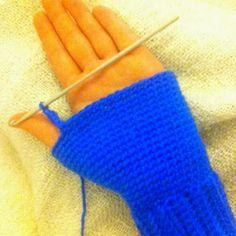 RullaatiRullaa: Virkatut lapaset (ohjeen kera) Fingerless Gloves, Arm Warmers, Mittens, Knit Crochet, Knitting, Crocheting, Patterns, Fingerless Mitts, Fingerless Mitts