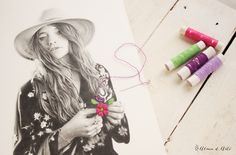 Dibujo y bordado a mano sobre papel
