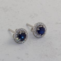 http://rubies.work/0731-blue-sapphire-earrings/ 14 CT gold sapphire and diamonds stud earrings with removable jackets.