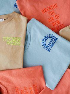 Shirt Print Design, Tee Design, Tee Shirt Designs, Boys T Shirts, Tee Shirts, Nautical T Shirts, Foto Still, T-shirt Broderie, Polo Shirt Colors