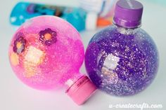 Come see how we make these sensory glitter globes with Karo syrup and glitter. It's so easy and a great toy to help kids calm down in hard situations. Calm Down Jar, Calm Down Bottle, Sensory Activities, Toddler Activities, Diy Sensory Toys, Calming Jar, Camping Crafts For Kids, Kids Crafts, Glitter Globes