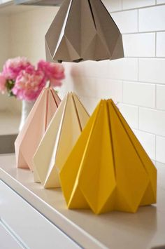 Colors you can choose from when making your very special and very own origami lamp. love this DIY lamp Diy Origami, Origami Lampshade, Paper Lampshade, Origami And Kirigami, Useful Origami, Origami Paper, Flower Lampshade, Origami Templates, Box Templates