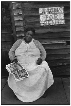 :::::::: Vintage Photograph :::::::: Kind face of a woman who has rooms for rent ~  Mississipi. Vicksburg. 1947.  By Henri Cartier-Bresson