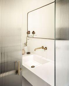 Bathroom mirror design modern mid century 49 Ideas for 2019 Modern House Design, Modern Interior Design, Home Design, Modern Decor, Mid-century Modern, Modern Homes, Contemporary Interior, Design Interiors, Bath Design