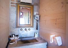 When the taste for the antique and contemporary objects combine in an original decor : antique bath in VALDONIC