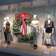 "H&M, HENNES &MAURITZ, Alto Las Condes, Santiago, Chile, ""Listen please... Nobody's walking out on this fun, old-fashioned family Christmas"", photo by Vitrinologia, pinned by Ton van der Veer"