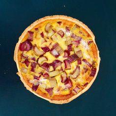 RhabarberWähe Hawaiian Pizza, Badger, Cheesecake, Food, Cheesecakes, Essen, Meals, Yemek, Cherry Cheesecake Shooters