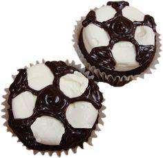 soccer-ball-cupcake