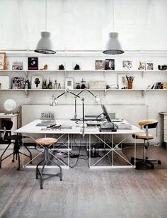 Another great workspace for two.