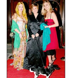 Princess Gloria von Thurn und Taxis of Germany is shown with her two daughters, Princesses Maria Theresia and Elisabeth von Thurn und Taxis, at Maxim's restaurant in Paris, on May 16, 2006.