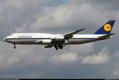 "Lufthansa Boeing 747-830 D-ABYT ""Köln"" on final approach to Frankfurt-Main, July 2016. (Photo: Maximilian Hartmann)"