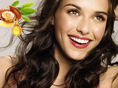 Beneficiile uleiului de argan asupra pielii și unghiilor sunt multiple, dar pentru păr el este un elixir: previne despicarea firelor de păr, repară părul deteriorat asupra căruia s-a acționat termic, îl hidratează pe cel uscat și friabil și îi redă elasticitatea.  Citeste tot articolul despre uleiul de argan si despre produsele pentru par care au acest ingredient minune. Hair Care, Drop Earrings, Fashion, Moda, Fashion Styles, Hair Care Tips, Drop Earring, Hair Makeup, Fashion Illustrations