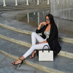LAURA BADURA FASHION & BEAUTY: Monochrome Day