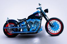 """Black Speedster 200"""" Tyre Bobber - Kraft Tech Frame, Stock Stretch & 30° Rake. BDL 3"""" Open Belt Drive with Quiet Clutch & Final Chrome Chain Drive. Wide Glide Black & Chrome 2"""" Under Springer Front End. Single Fire Ignition with Single Tower Dual Coils in a Dave Perewitz Chrome Motor/Coil Mount. Chrome Billet Hand Controls on Retro Black Powder Coated Speedster Bars.    http://360motorcycles.co.uk/4-BLACK-SPEEDSTER-200-TIRE-BOBBER/black-speedster-200-tire-bobber.html"""