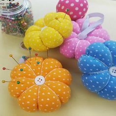 Needle Pin Cushion Cute Pumpkin DIY Handcraft Tool for Stitch Sewing Accessories Needle Cushion, Diy Cushion, Vintage Sewing Notions, Vintage Sewing Machines, Sewing Projects For Kids, Craft Projects, Craft Ideas, Sewing Spaces, Sewing Rooms