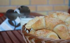 """Superhelpot juustosarvet tekevät taatusti kauppansa - """"Syötiin kaikki!"""" Bakery, Muffin, Food And Drink, Bread, Breakfast, Recipes, Morning Coffee, Brot, Muffins"""