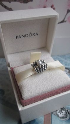 Authentic Pandora One Of A Kind Shell Beach Pearl Charm For Bracelet With Box