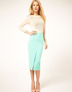 Great spring office look, and I especially love the pencil skirt!