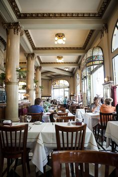 Las Violetas in Buenos Aires Argentina. This is one of my favorite places for High Tea. Art Nouveau Arquitectura, Argentina South America, Drake Passage, Argentina Travel, Largest Countries, Down South, Most Beautiful Cities, Vacation Trips, The Neighbourhood