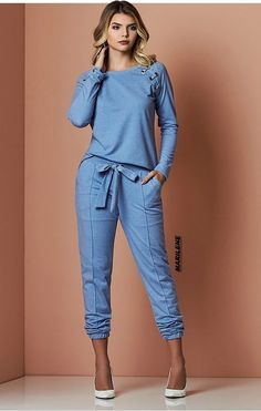 Swans Style is the top online fashion store for women. Shop sexy club dresses, jeans, shoes, bodysuits, skirts and more. Casual Chic, Casual Wear, Vetement Fashion, Schneider, Denim Outfit, Chic Outfits, Casual Looks, Dress To Impress, Denim Outfits