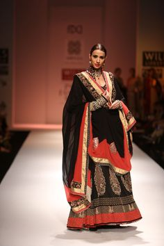 Virtues by Viral, Ashish & Vikrant Autumn Winter 2013 at Wills Lifestyle India Fashion Week Delhi Indian Bridal Couture, Indian Bridal Wear, Indian Dresses, Indian Outfits, Indian Clothes, Ethnic Fashion, Asian Fashion, Formal Fashion, Wills Lifestyle