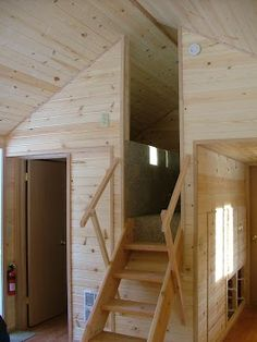 entry to stand-up loft with twin berths - lots of pics