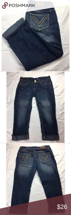 Vigoss Capri Jeans Size 3 Vigoss Capri. Folded hem. Excellent condition. Size 3. Inseam approximately 20. Rise approximately 8. Vigoss Jeans Ankle & Cropped