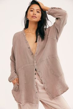 We The Free Summer Daydream Buttondown Oversized Button Down Shirt, Dress The Population, Free Summer, Spring Tops, Spring Outfits, Ootd Spring, Outfit Of The Day, Free People, How To Wear
