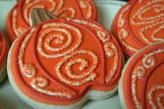 decorating+sugar+cookies | Swirly Pumpkin Sugar Cookies by