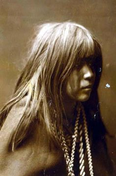 Here for your browsing pleasure is an extraordinary photo of Mosa. It was made in 1904 by Edward S. Curtis.    The photo documents Mohave Indian, head-and-shoulders portrait, right profile.    We have compiled this collection of photos mainly to serve as a vital educational resource. Contact curator@old-picture.com.