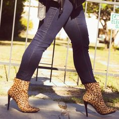 """New Express Leopard Print Calf Hair Booties New with tags, worn for a minute to take cover shot pics, minor wear on bottom sole, still in excellent condition. Leopard print with soft calf hair, gloss black heels, and pointed toe. Heel height is approx 4.5""""❌NO TRADES OR PAYPAL❌ Express Shoes Ankle Boots & Booties"""