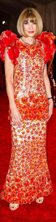 Anna Wintour, in Chanel Haute Couture.Met Gala 2015
