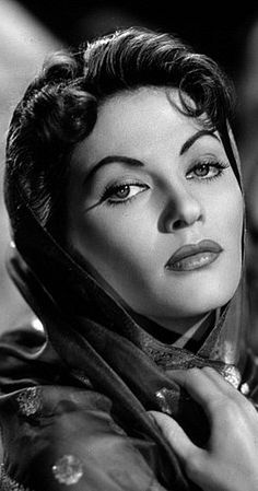 Yvonne De Carlo, Actress: The Munsters. Yvonne De Carlo was born Margaret Yvonne Middleton on September 1, 1922 in Vancouver, British Columbia, Canada. She was three when her father abandoned the family. Her mother turned to waitressing in a restaurant to make ends meet--a rough beginning for an actress who would, one day, be one of Hollywood's elite. Yvonne's mother wanted her to be in the entertainment field and enrolled her in a ...