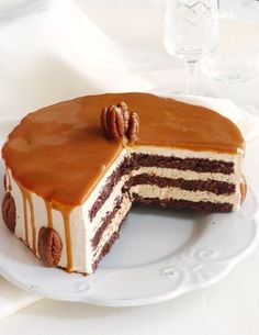 Find images and videos about food, sweet and cake on We Heart It - the app to get lost in what you love. Hungarian Desserts, Hungarian Cake, No Bake Desserts, Dessert Recipes, Sweets Cake, Love Eat, Christmas Desserts, Cakes And More, Sweet Recipes