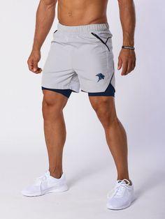 <p>Die Novum Performance Shorts bestehen aus einem Schweiß-Dochtwirkungsstoff, wodurch Sie noch komfortabler in Ihrem Workout unterwegs sein können. Die Shorts bestehen aus einer Polyester-Mischung, liegen eng an, und die Netzeinsätze kühlen den Körper auch bei heißen Temperaturen.</p>