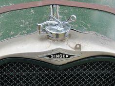 Singer 1934 radiator badge
